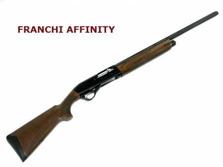 Nel bosco col fucile adatto caccia for Costo della costruzione del fucile da caccia